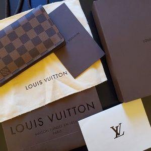 Louis Vuitton Pocket Agenda Cover/wallet